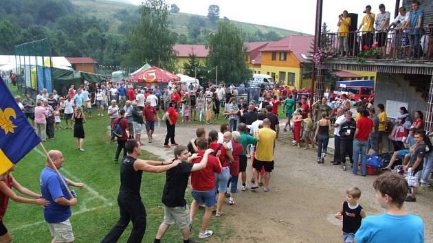 V Březové se setkalo na šest set lidí.