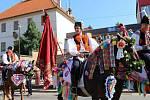 Jízdu králů odstartovaly společné vyvolávky na hluckém náměstí.