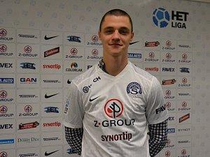 Devatenáctiletý záložník Dominik Janošek přichází do Slovácka z brněnské Zbrojovky.