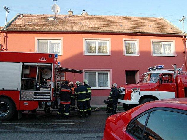 Dům, ve kterém došlo ke tragédii, při které po výbuchu v garáži přišel o život 25letý muž.
