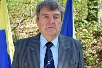 Jan Štokman, předsedou okresního výboru (Českého svazu bojovníků za svobodu) v Uherském Hradišti.