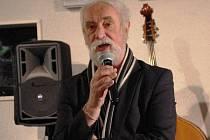 Mimořádně velký zájem projevili autoři dokumentárních i uměleckých fotografií na Slovácku o soutěžní výstavu Ohlédnutí 2014, označovanou za neformální slovácké pressfoto. Na snímku Jindřich Štreit.