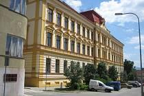 Gymnázium Uherský Brod. Stará část budovy. Ilustrační foto.