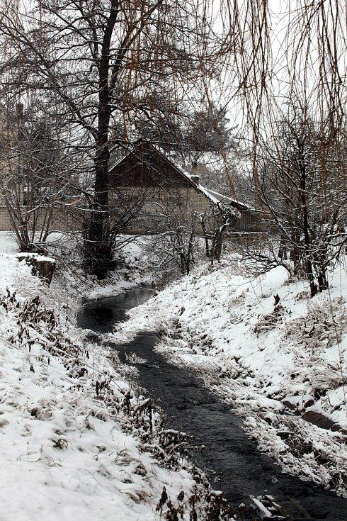 Horní Němčí v únoru 2021. Potok Okluky.