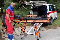 V Uherskohradišťské nemocnici se chlubí dvěma novými sanitkami.