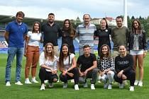 Devět fotbalistek Slovácka podepsalo s klubem profesionální smlouvu