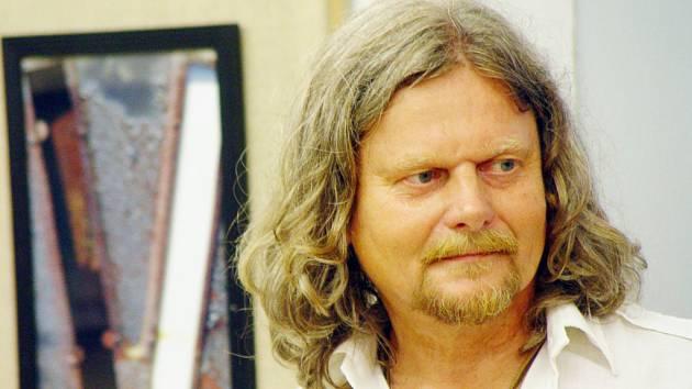 Pavel Bezděčka.