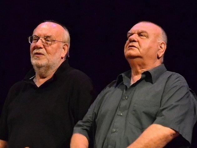 Jedinečnou možnost vidět naposledy společně na pódiu legendární bratry Jana (66) a Františka (65) Nedvědovy mělo uherskobrodské publikum v neděli 16. června.