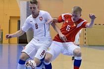 Český futsalový reprezentant Lukáš Křivánek (na snímku v bílém dresu) přestoupil z Uherského Hradiště do Sparty.