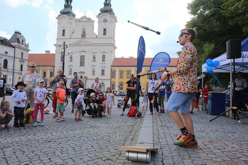 Magic festival 2018 v Uherském Hradišti. Kouzelné náměstí na Masarykově náměstí. Kouzelník Mišuge
