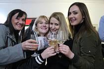 V kulturním domě v Sadech se uskutečnil už 21. ročník Derflanské výstavy vín.