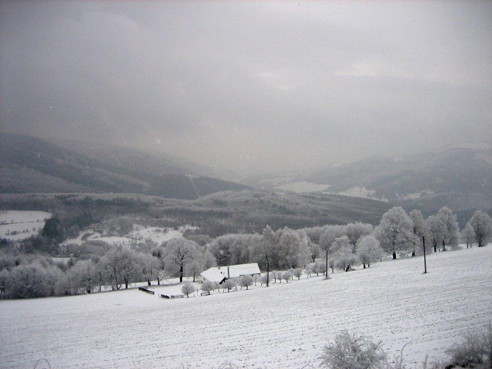 Samoty na Vyškovci jsou v zimě těžce dostupné.