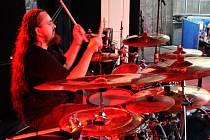 Lídr Chaos In Head a bubeník kapely Kopec.