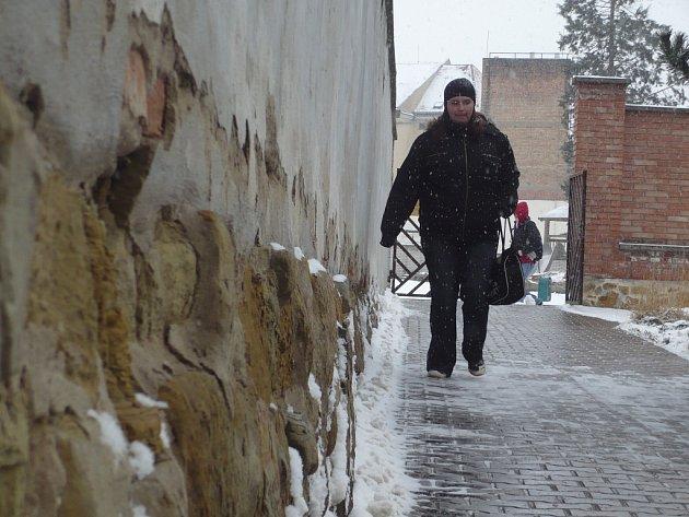 Oprava historických hradeb v Uh. Hradišti