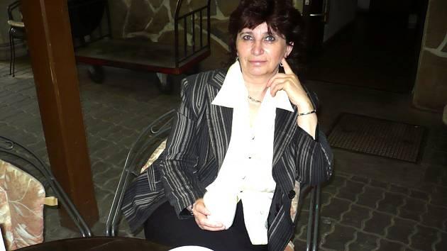 Jana Bahulíková sází ve svém provozu na bohatou nabídku zeleninových i ovocných salátů.