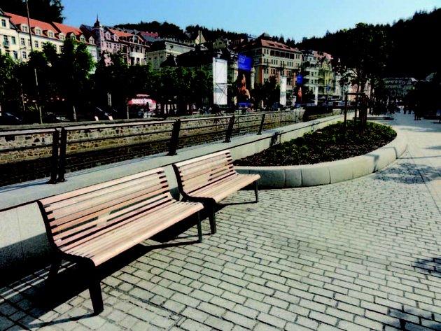 Výrobky z Bílovic zdobí lázeňské město.