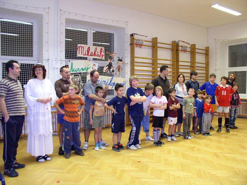 V minikopané soutěžily děti se svými rodiči.