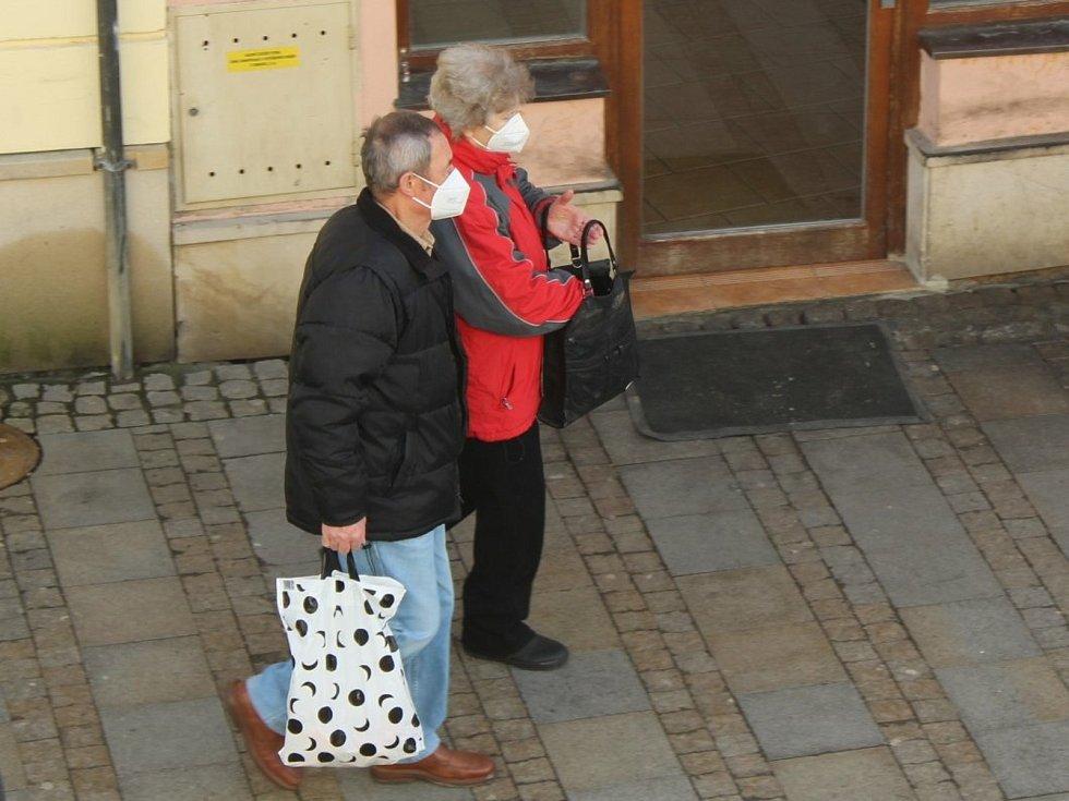 O respirátory v Uherském Hradišti je mezi lidmi zájem.