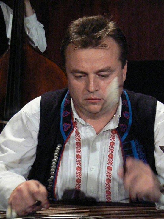 Cimbalista Kunovjanu Vítězslav Mach.