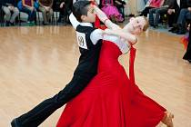 Děti z Dance Studio Starlight se při tanci mění k dokonalé profesionály.