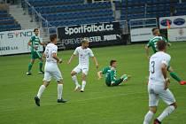 Fotbalisté Slovácka ve 29. kole FORTUNA:LIGY hostili pražské Bohemians. Duel ovlivnilo vyloučení domácího záložníka Petrželu.