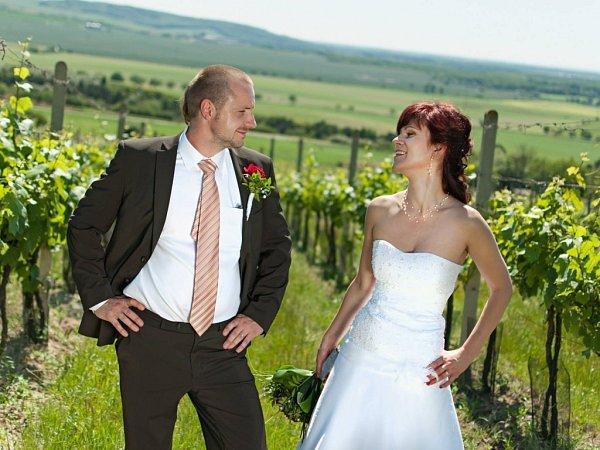 Soutěžní svatební pár číslo 61 - Luke a Šárka Nápravníkovi, Velké Němčice.