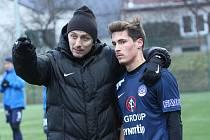 Trenér fotbalistů Slovácka Michal Kordula je se zimní přípravou zatím spokojený. Chválí mladíky Matouše Trmala a Michala Kohúta.