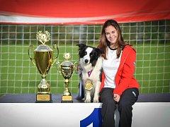 V disciplíně agility dosáhla výrazného úspěchu mladá závodnice zlechovského klubu Magdalena Bradáčová se svým psem Elzou.