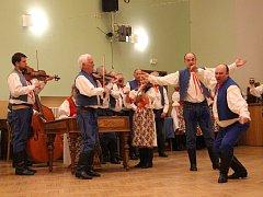 Folklorní soubor Světlovan funguje od roku 1953.