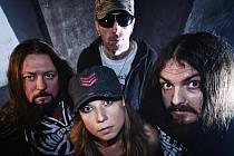 Uherskobrodští Chaos In Head se poprvé představí v pátek 19. srpna ve Vápenkách s novou zpěvačkou Lenou, která pochází z Litenčic na Kroměřížsku.