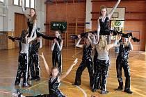 V sobotu 26. března už pošesté uspořádalí Dům dětí a mládeže (DDM) Šikula Uherské Hradiště v tělocvičně ZŠ UNESCO taneční soutěž Dance show.