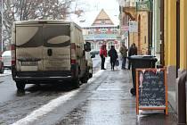 Centrum Uherského Hradiště se v poslední době potýká s množstvím nelegální reklamy. Ilustrační foto.