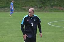 Záložník Osvětiman Jiří Perůtka vedl tým v Koryčanech coby hrající trenér.