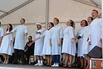 S ročním odkladem se herci Slováckého divadla pustili do muzikálu s názvem Hra o pyžama.