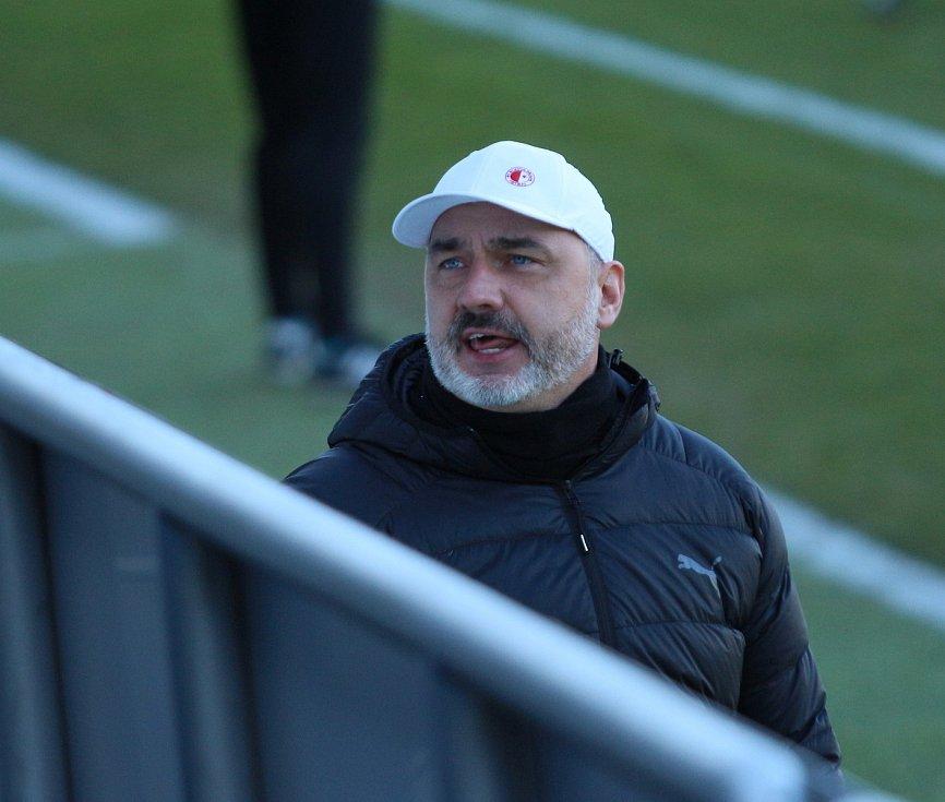 Fotbalisté Slovácka (v bílých dresech) se ve šlágru 21. kola FORTUNA:LIGY utkali s vedoucí Slavií.