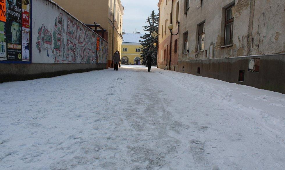 Uherské Hradiště zasněžené a pod ledem.