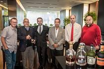 Hotel nedávno poctil svou návštěvou Tito Cordero (druhý zleva), Master Blender značky rumu Diplomático.