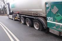 V Chřibech řešili hasiči lehčí nehodu cisterny s kapalným dusíkem