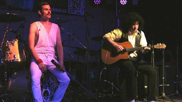 Queenie, revival skupiny Queen, zahráli největší hity legendární kapely.