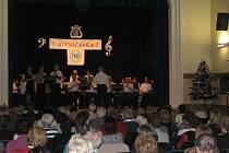 Příznivci Nivničanky si v sobotu vyslechli její dvouhodinový koncert.