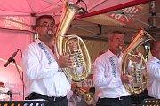 Slavnostní koncert i s hosty z folklorního souboru Horněmčí a dechové hudby Miločanky odehrála k jubilejnímu 130. výročí od svého založení dechová hudba Horněmčanka v místním parku U Letadla.