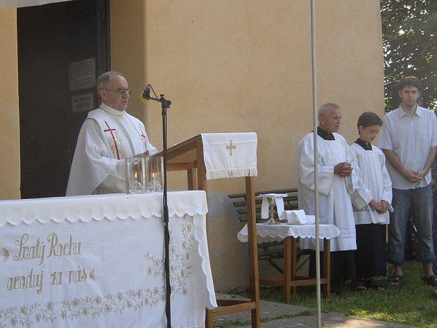 Mši na Rochusu sloužil sadský farář Josef Josefík.