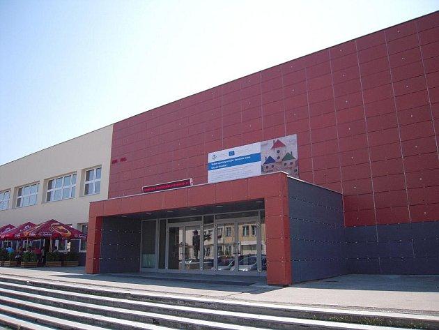 Vzhled budovy Klubu kultury v současné době, po rekonstrukci.