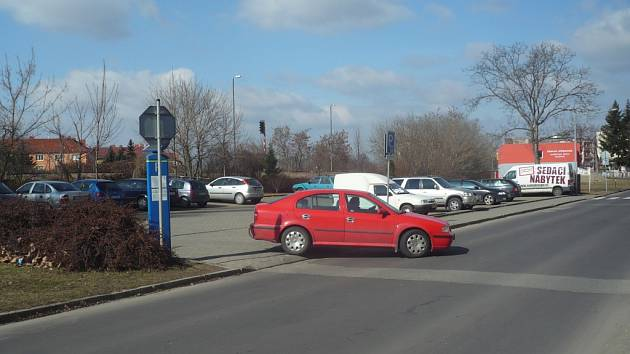 Parkoviště Na Stavidle čeká rozšíření
