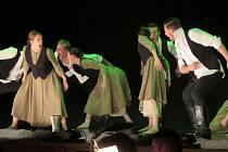 Taneční soubor Hradišťan předvedl 1. května v Uherském Hradišti zpracování tří kantátů od Bohuslava Martinů pod názvem Chléb náš vezdejší.