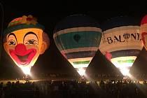 Rozsvěcení balonů na Velehradě, pátek 2. září.