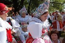 Tisíce věřících se v neděli 28. srpna dopoledne zúčastnili děkovné – dožínkové poutní mše na Svatém Antonínku.