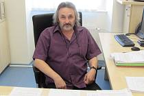 Vedoucím stavebního odboru při Městském úřadě v Uherském Hradišti je Rostislav Novosad.