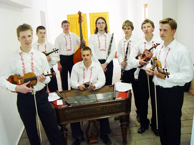 Cimbálová muzika SPŠ Uh. Hradiště.