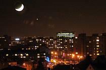 """""""Myslí si, že je to UFO. Přitom jde o Venuši, která září na západním obzoru jako večernice každoročně,"""" vysvětlil Pavel Najser z hvězdárny. Ilustrační foto."""